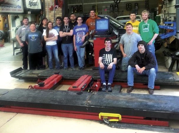 Luther Auto worked with MADA to find a new home for a Hunter alignment machine and found Moorhead High School's automotive program.